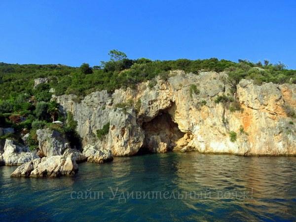 изумрудная вода теплого Эгейского моря