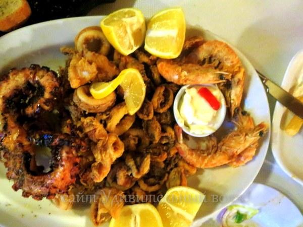 Жареные на решетке морепродукты
