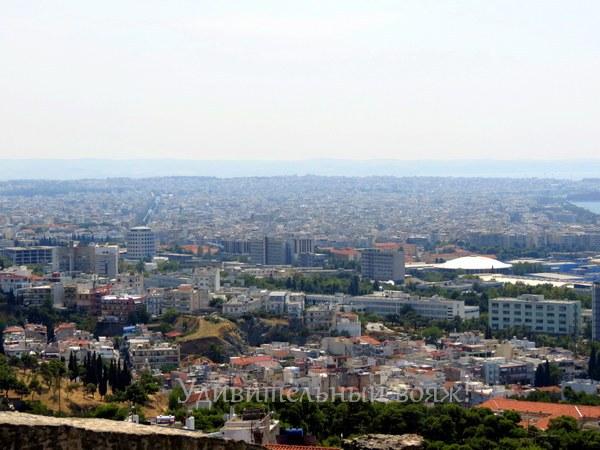 вид на город Салоники с Крепостной стены