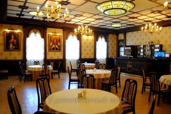 """Ресторан гостиничного комплекса """"Галицька корона"""""""