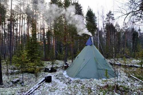палатка -чум для настоящих туристов