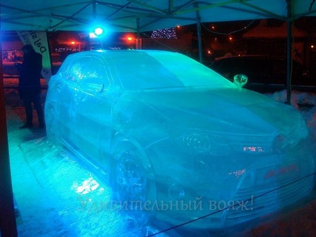 авто из льда на ул.Крупувки