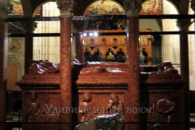 Кафедральный собор символические гробницы польских королей