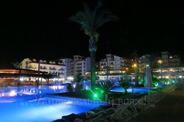 отель Grand Pearl Beach Resort