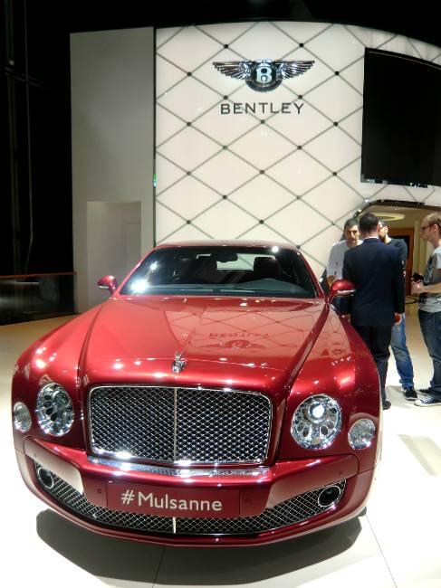 На автомобильной выставке 2013