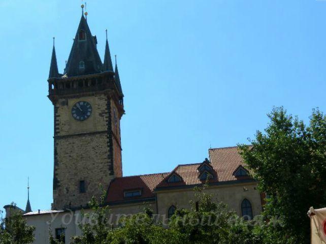 Прагу называют, городом ста башен