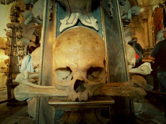 хранилище костей Костница