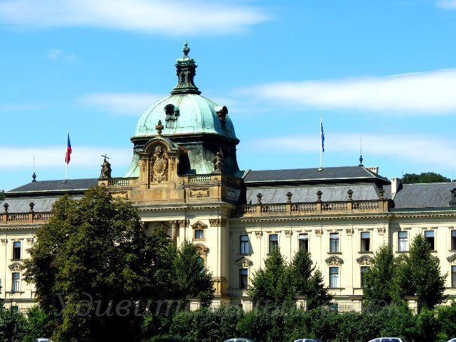 резиденция Правительства Чешской республики