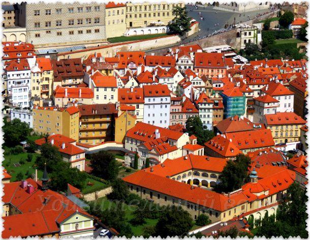 Vid s Petrshinskoj bashni v Prage 02