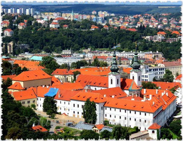 Прага с высоты Петршинской башни