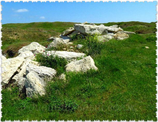 территория каменоломен в Керчи
