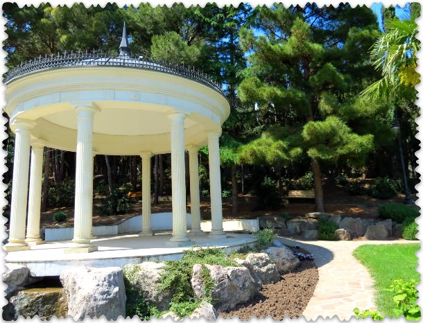 akusticheskaja rotonda v parke Paradiz