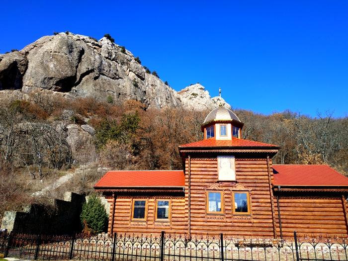 Kiziltashskij muzhskoj monastyr'