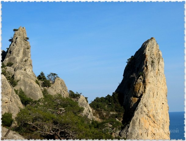 skaly-dva-monaha