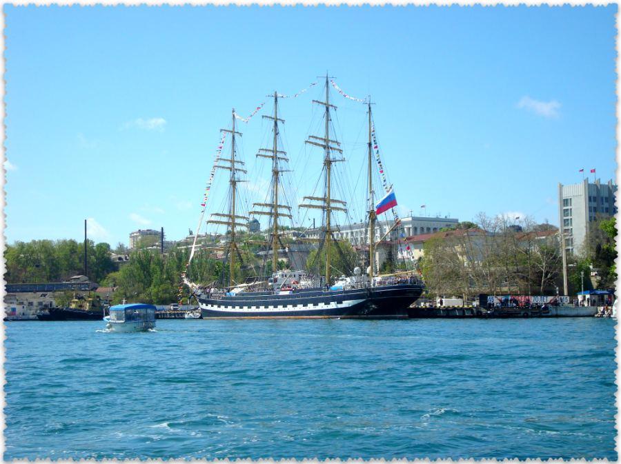 parusnik «Kruzenshtern» v Sevastopole