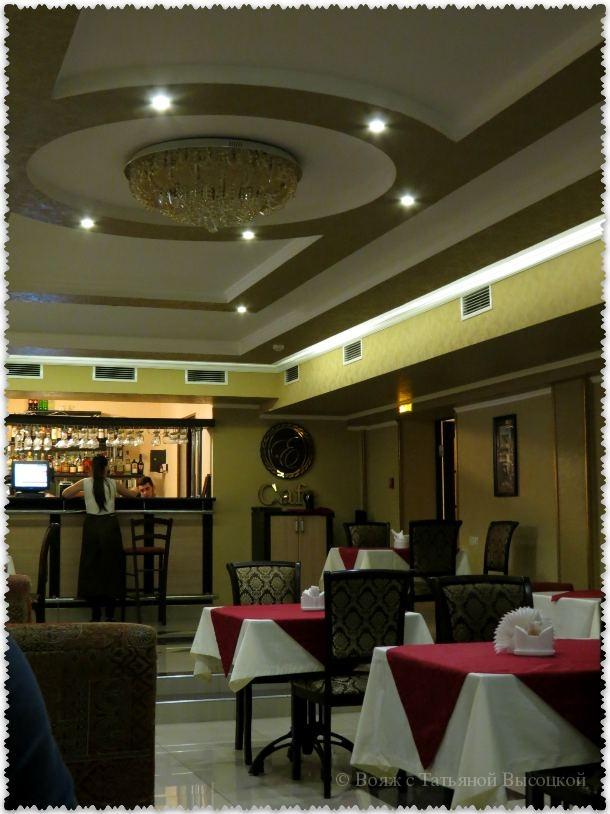кафе в отеле Эсперо