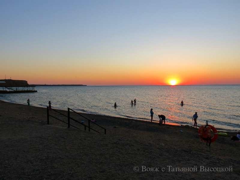 на пляже в Песчаном