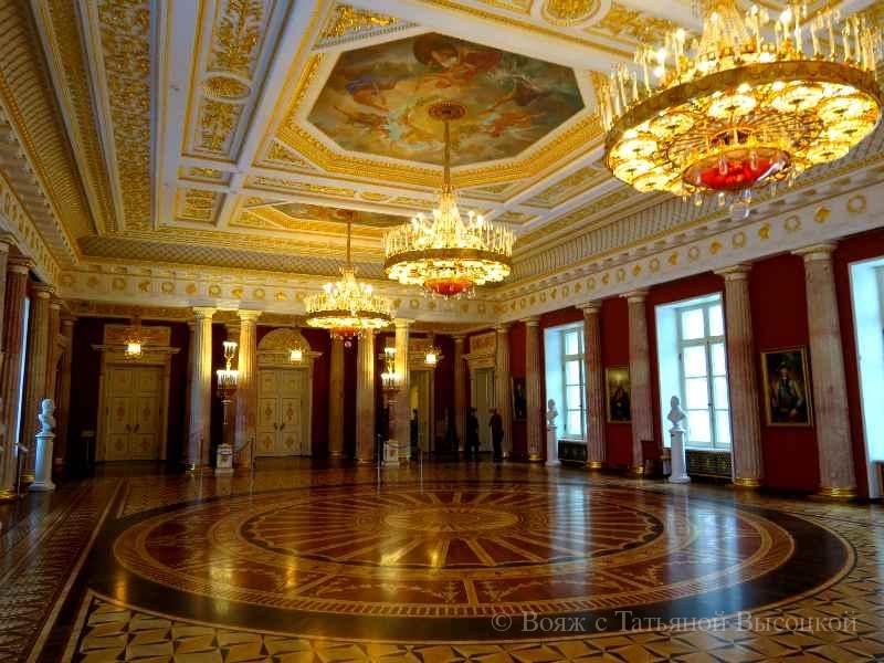 Tavricheskij zal v Bol'shom dvorce Caricyno