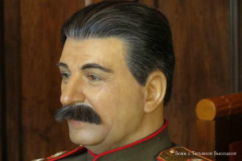 voskovaja figura Stalina v Livadijskom dvorce