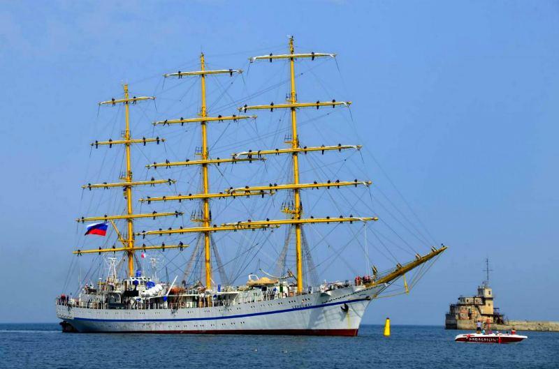 trekhmachtovyj-fregat-hersones