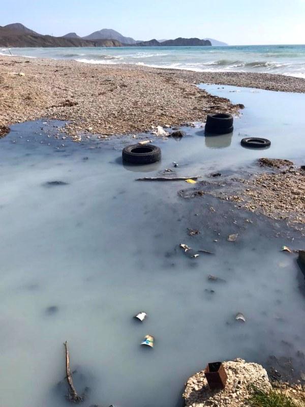 Koktebel', kanalizacija v more, 2018