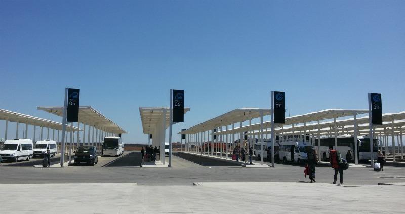 avtobusnaya parkovka v aehroportu