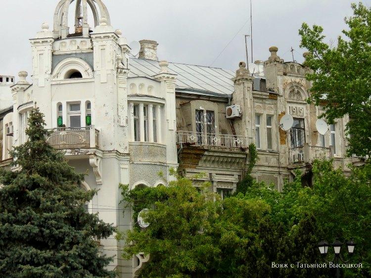 istoricheskie-zdaniya-v-evpatorii