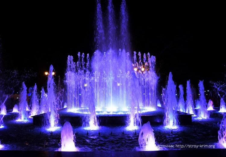 svetovoj-fontan-v-evpatorii