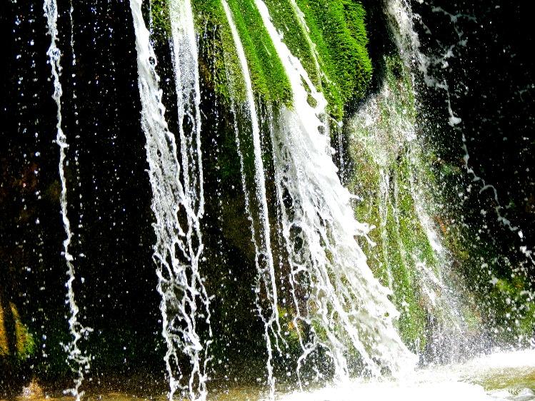 водопад Джур - Джур в июле