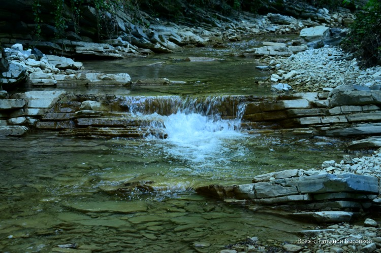 marshrut-na-pshadskij-vodopad-v-aprele