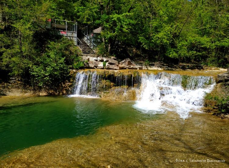 vodopady-na-reke-zhane
